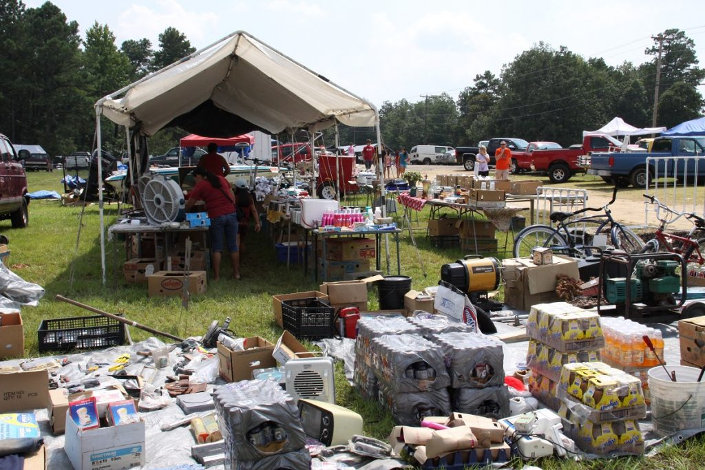 Yard Sale Covers Lookout Mountain - See the South
